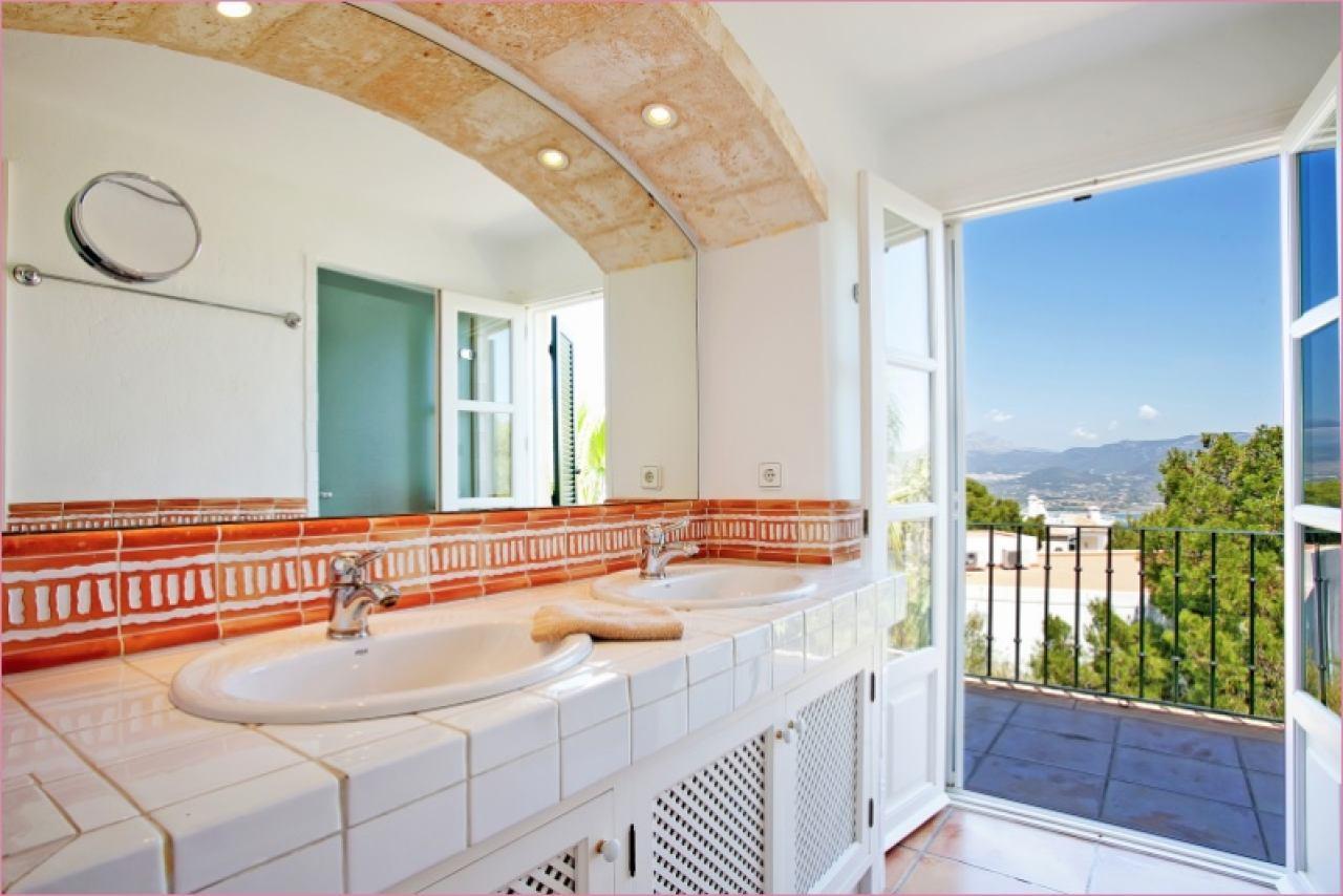 Bad Toskana mit Balkon